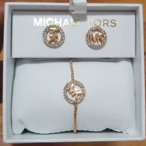 🦋Michael Kors Logo earing and bracelet set